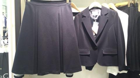 『娘の卒業式のスーツも迷わなくて済みそうです^^』キャサリンさま