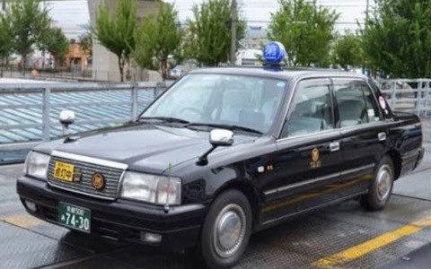 【色の雑学】関西のタクシーが黒が多いのはなぜ?
