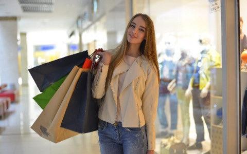 実は、服を買うなら「セール直後の1月、2月」が1番おススメ